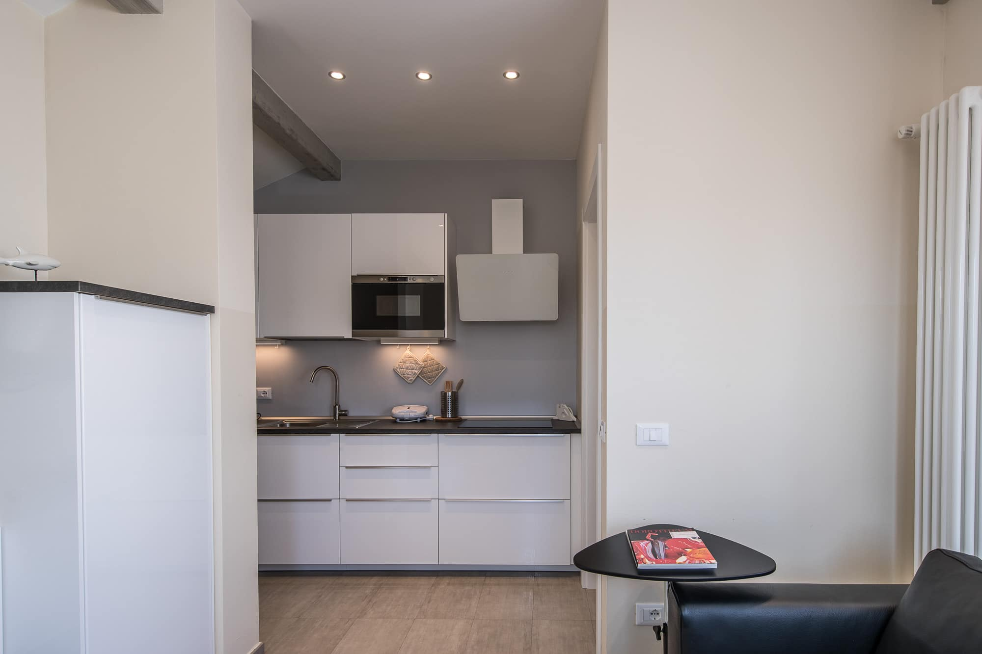 Appartamento 10 appartamenti sirmione for Velux prezzi 2016